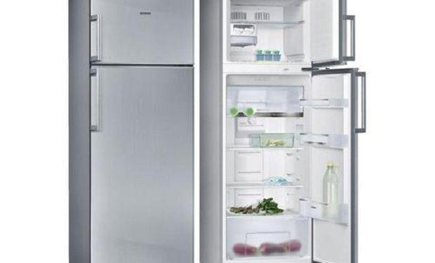 Αυτό είναι το μαγικό κόλπο για να καθαρίσετε το ίνοξ ψυγείο!