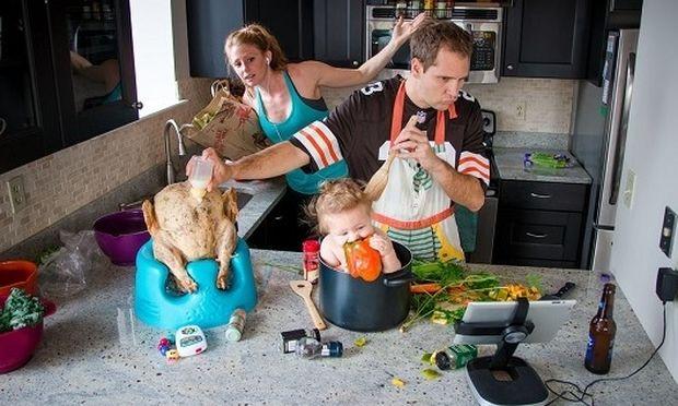 Κάπως έτσι είναι η χαοτική καθημερινότητα ενός γονιού! Δε συμφωνείτε; (εικόνες)