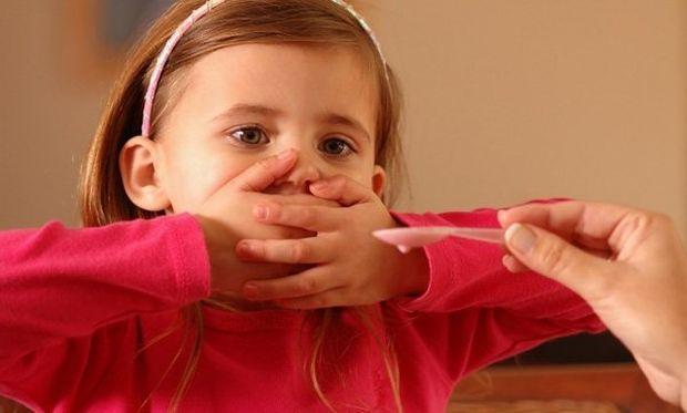 Ο πιο έξυπνος τρόπος για να πιει το παιδί σας το σιρόπι!