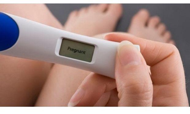 Τεστ εγκυμοσύνης: Ποια είναι η κατάλληλη ώρα για να το κάνω;