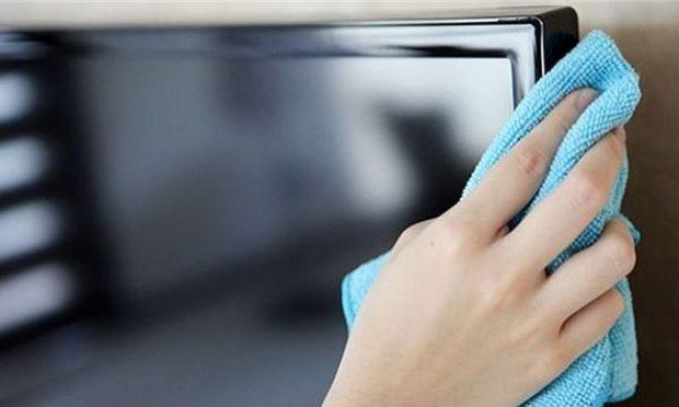 Απίστευτο: Να πώς θα εξαφανίσετε μία γρατζουνιά από οθόνη τηλεόρασης! (βίντεο)