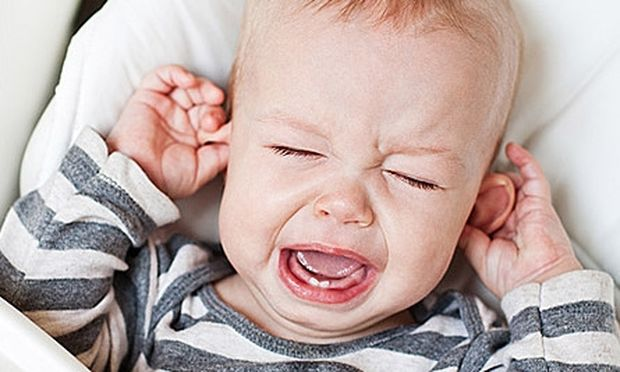 Να το κόλπο για να ανακουφίσετε το παιδί από τον πόνο της ωτίτιδας!