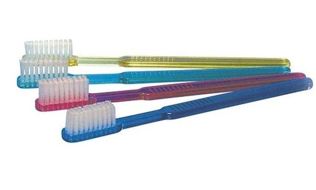 Αυτό είναι το μυστικό για να καθαρίσετε σωστά την οδοντόβουρτσά σας!