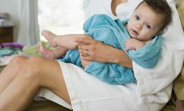 Πολύτιμες συμβουλές που θα χαρίσουν ένα απαλό ενυδατωμένο δέρμα στο μωρό σας