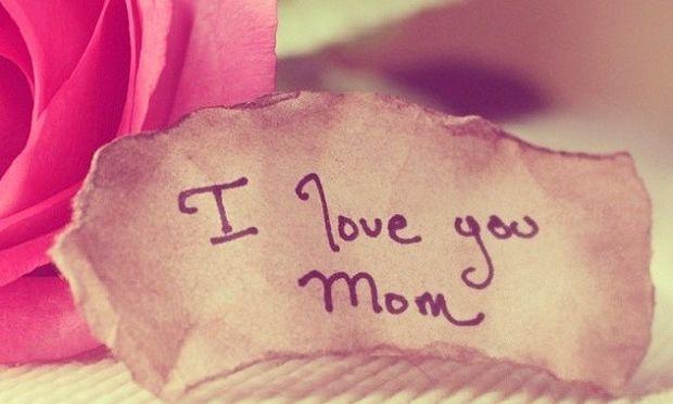 «Πολεμώντας με το θηρίο», ένα συγκινητικό κείμενο του Νίκου Συρίγου για τη μητέρα του