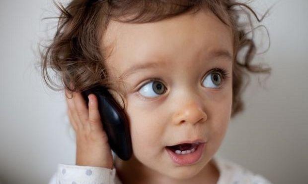«Γιατί το παιδί μου αργεί να μιλήσει;»