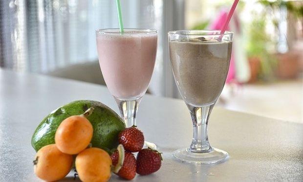 Υπέροχα, δροσιστικά και διαφορετικά smoothies από τον Γιώργο Γεράρδο!