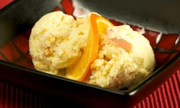 Συνταγή για μαμαδίστικο παγωτό πορτοκάλι με 5 υλικά!