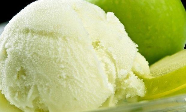 Συνταγή για παγωτό πεπόνι με 5 υλικά!