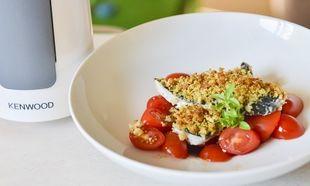 Φιλέτο σκουμπρί με αρωματική κρούστα και καλοκαιρινή σαλάτα, από τον Γιώργο Γεράρδο