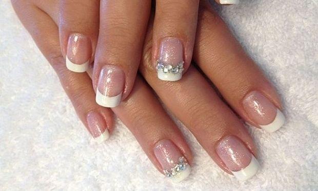 Τεστ για κορίτσια: Τι σχήμα πρέπει να κάνεις στα νύχια σου τώρα το καλοκαίρι ανάλογα με το στυλ σου;