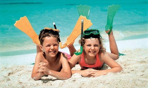 Στην παραλία με τα παιδιά. Τι πρέπει να πάρετε μαζί σας;