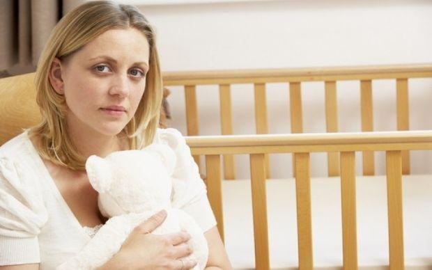 Επιλόχεια κατάθλιψη: Μπορεί να εμφανιστεί αρκετούς μήνες μετά τη γέννα