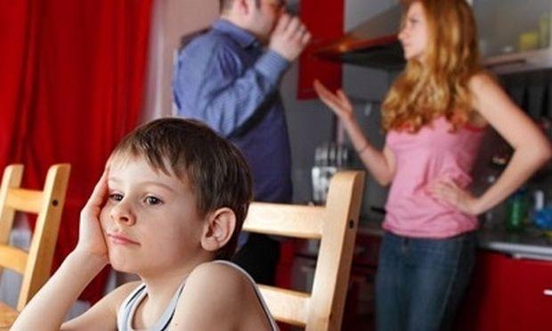 Πώς επηρεάζει ο φανατισμός των γονιών την παιδική ψυχούλα;