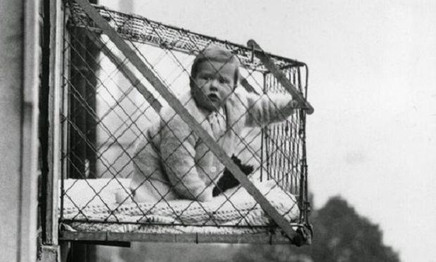 «Κλουβί για μωρά;» και όμως υπήρχε! (εικόνες και βίντεο)