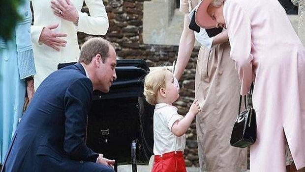 Πρίγκιπας Τζορτζ: Δείτε τον να λέει τις πρώτες του λέξεις στη γιαγιά του! (βίντεο,εικόνες)