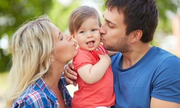 Τι  λέει ένα παιδί στη μαμά και τι στον μπαμπά!