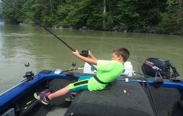 Δεν ξανάγινε: Δείτε τι ψάρι έβγαλε αυτός ο 9χρονος! (εικόνες)