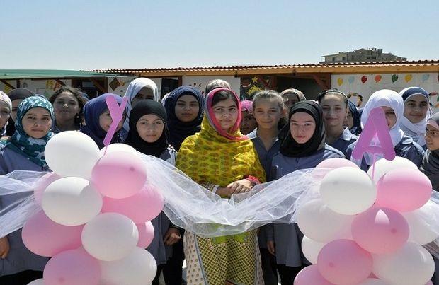 Μαλάλα Γιουσαφζάι: Η μαθήτρια-σύμβολο από το Πακιστάν έγινε 18 ετών κι εγκαινίασε ένα σχολείο δευτεροβάθμιας εκπαίδευσης