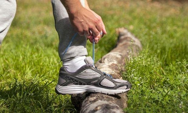 Δεν πάει ο νους σας πώς θα αστράψουν τα αθλητικά σας παπούτσια!