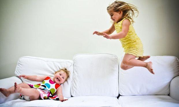 14 περίεργα πράγματα που κάνουν όλα τα παιδιά!