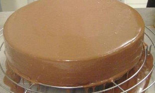 Συνταγή για πεντανόστιμη τούρτα με μπισκότα!