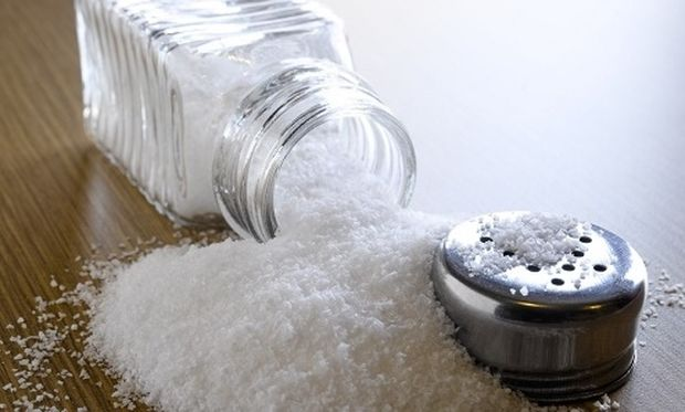 Αστραφτερό καθάρισμα μόνο με... αλάτι; Και όμως, γίνεται!