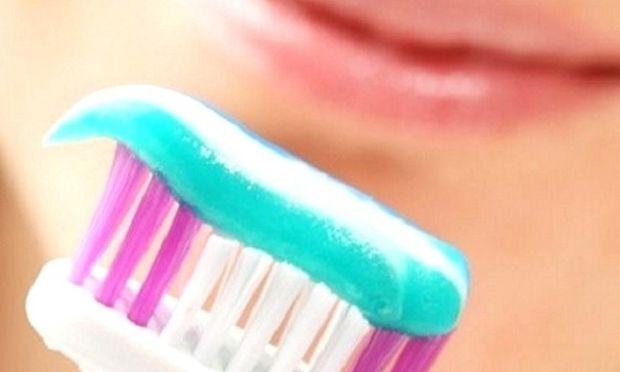 Πρέπει να πλύνω τα δόντια μου και μου τελείωσε η οδοντόκρεμα! Τι να κάνω;