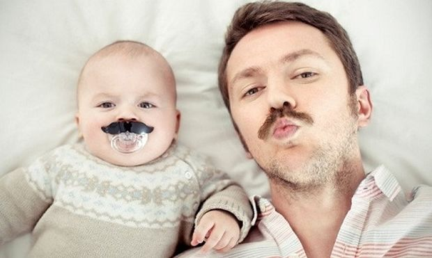 Αυτό συμβαίνει όταν αφήνετε μόνους τους μπαμπάδες με τα παιδιά! (εικόνες και βίντεο)