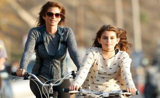 Σίντι Κρόφορντ: Δείτε την 13χρονη κόρη της σε εξώφυλλο γνωστού περιοδικού! (εικόνες)