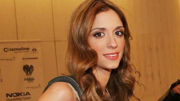 Σοφία Καρβέλα: Ανακοίνωσε την εγκυμοσύνη της με μία φωτογραφία! (εικόνα)