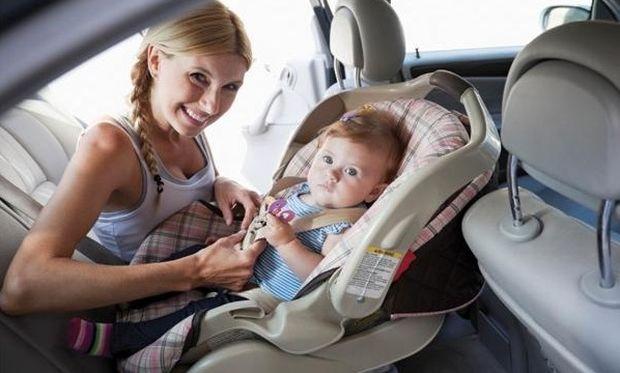 Διακοπές με μωρό: Τι πρέπει να προσέξετε αν ταξιδεύετε με αυτοκίνητο;