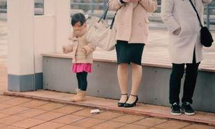 Αυτό το κορίτσι βρήκε κάτι που δεν του ανήκει. Δείτε τι έκανε μετά! (βίντεο)
