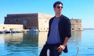 Σάκης Ρουβάς: Η οικογενειακή φωτογραφία με φόντο την Ακρόπολη που μάζεψε πάνω από 2000 likes!