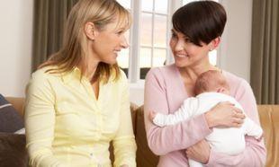 Μπέιμπι σίτερ: Αυτά είναι τα κριτήρια για να επιλέξετε την πιο κατάλληλη για το παιδί!