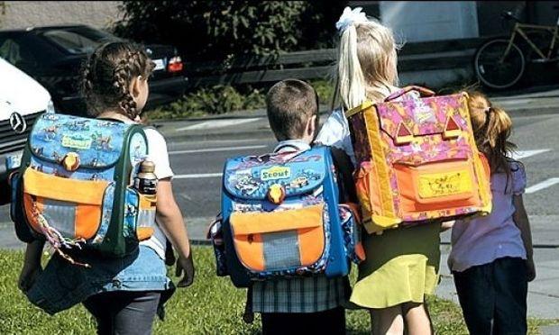 Δεν πάει ο νους σας πώς θα κάνετε την σχολική τσάντα να φαίνεται σαν καινούρια!