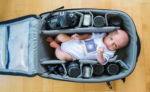 Πιο όμορφες φωτογραφίες δεν έχετε δει! Μωρά κοιμούνται σε θήκες από φωτογραφικές μηχανές (pics)