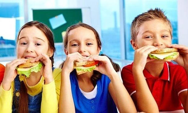 Παιδιά και διατροφή: Τα πιο νόστιμα και υγιεινά σνακ για το σχολείο