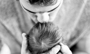Ο Αλή μπαμπάς και οι δύο κόρες: «Το βλέπεις αυτό το μαύρο στο βάθος; Τα μαλλιά της κόρης σου είναι….».