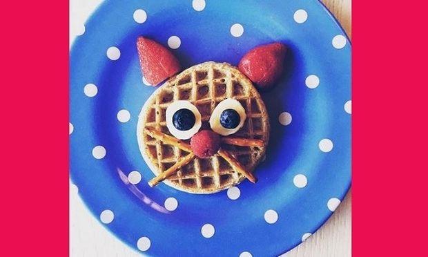 Ποια πασίγνωστη ηθοποιός ετοιμάζει αυτό το πρωινό στο γιο της; (εικόνα)