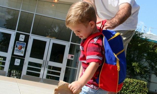 Back to school: «Το παιδί μου δεν θέλει να πάει σχολείο. Τι να κάνω;»