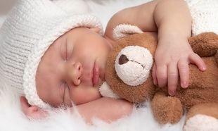 5 μύθοι και αλήθειες για τον ύπνο του μωρού