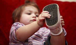 Πώς θα διαλέξετε τα πρώτα παπουτσάκια του παιδιού σας
