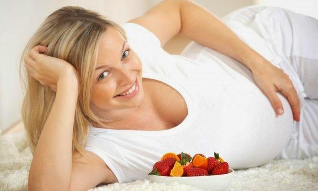 Εγκυμοσύνη και διατροφή: Ποιες τροφές πρέπει να αποφεύγουν οι έγκυες