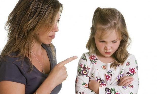 Εννέα φαινομενικά αθώες φράσεις που δεν πρέπει να λέτε στο παιδί σας