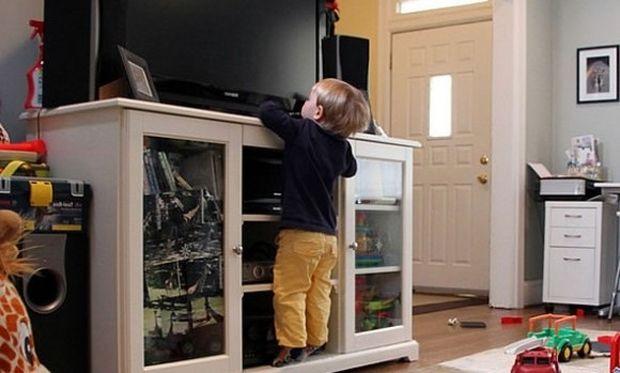 Τραυματισμοί παιδιών από τηλεόραση; Κι όμως συμβαίνει