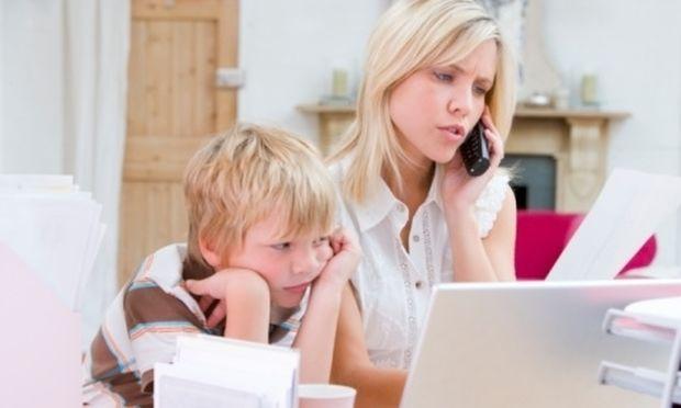 Δεν σας αφήνει το παιδί σας να μιλήσετε στο τηλέφωνο;Υπάρχει τρόπος!