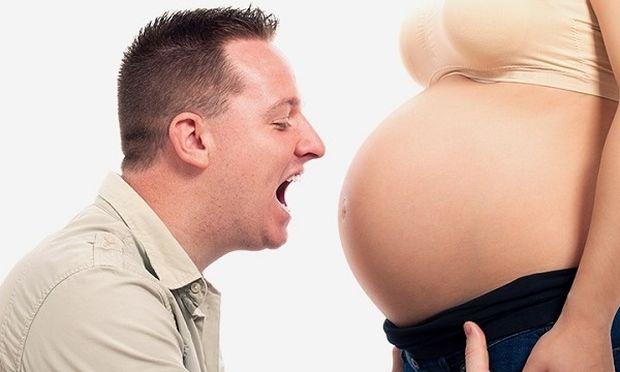 Αυτά είναι τα 5 πιο συχνά πράγματα που κάνουν οι μπαμπάδες κατά τη διάρκεια του τοκετού!