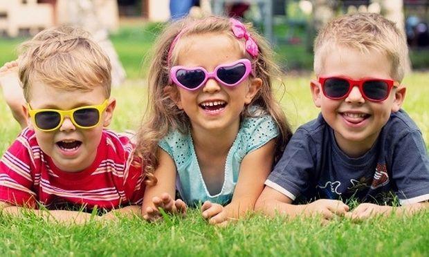Γιατί το παιδί πρέπει να φοράει γυαλιά ηλίου το χειμώνα - Mothersblog.gr c314adc1807