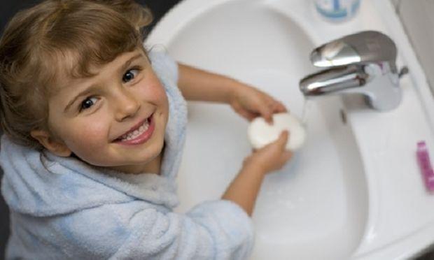Γιατί τα παιδιά πρέπει να μάθουν να πλένουν σωστά τα χέρια τους